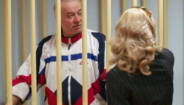 Rusijos dvigubas agentas buvo pasikėsinimo auka, sako JK policija