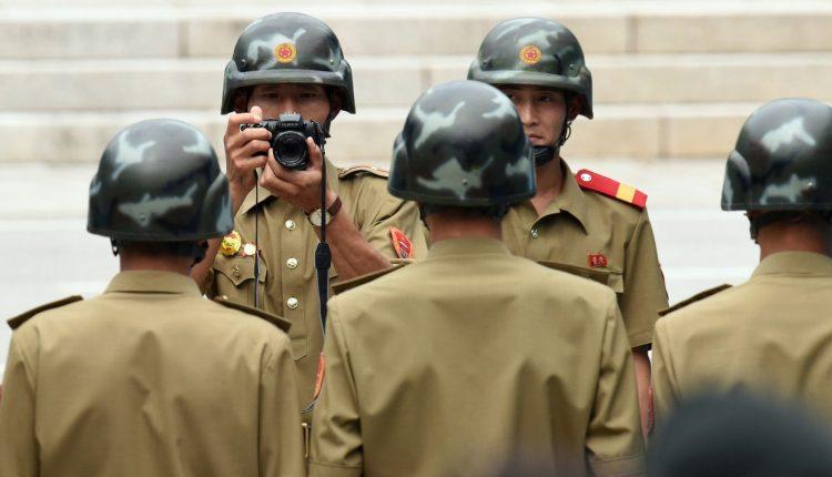 Pietų Korėją siųs savo pasiuntinius į Šiaurę pirmadienį