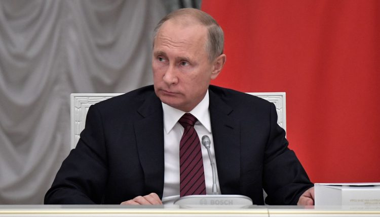Rusijos prezidento rinkimų pažeidimai: pluoštai balsalapių, prievarta ir gudrybės