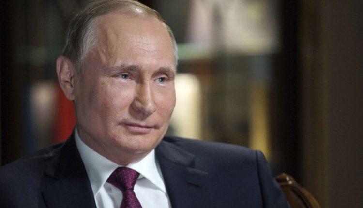 """Britanijos tvirtinimas, kad Putinas įsakė apnuodyti Skripalį – """"neatleistinas"""": Kremlius"""