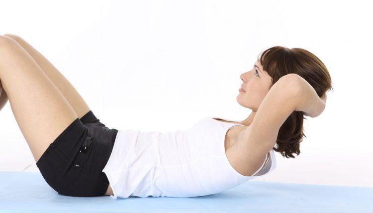 Kodėl atsilenkimai nepadeda atsikratyti pilvo