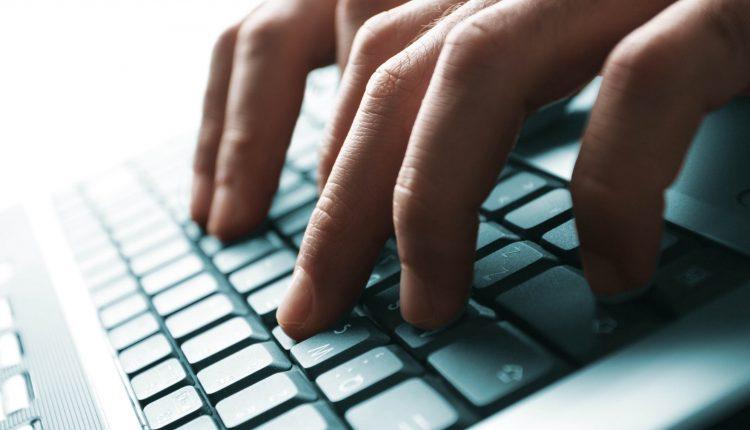 Paspauskite šiuos mygtukus klaviatūroje. Daugelis to nežinojo