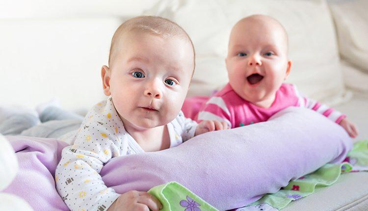 20000000 peržiūrų: šis nerealus dviejų kūdikių pokalbis užkariavo internetą!
